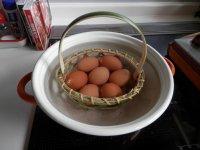 竹茹で卵かご大